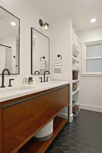 Black-and-White-Modern-Bathroom-with-Custom-Shelving-in-Midway-Highlands-Dallas