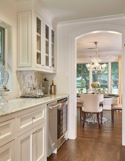 White-Gray-Luxury-Butlers-Pantry-in-Preston-Hollow-Dallas