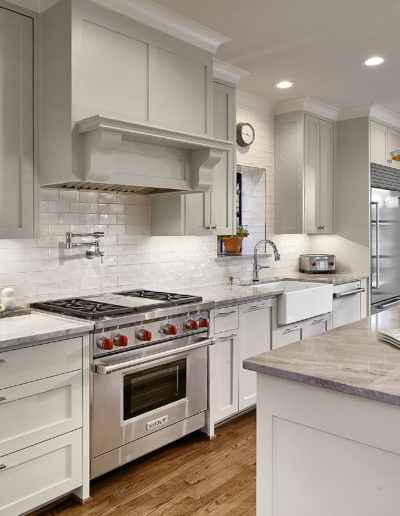 White-Kitchen-with-Wolf-Range-in-Highland-Park-Dallas