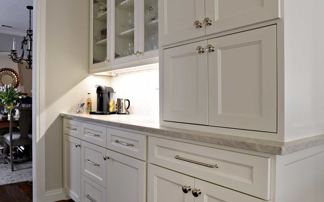 Designing the Perfect Walk-In Pantry for your Kitchen Remodel